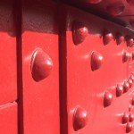 Red-rivets_2886
